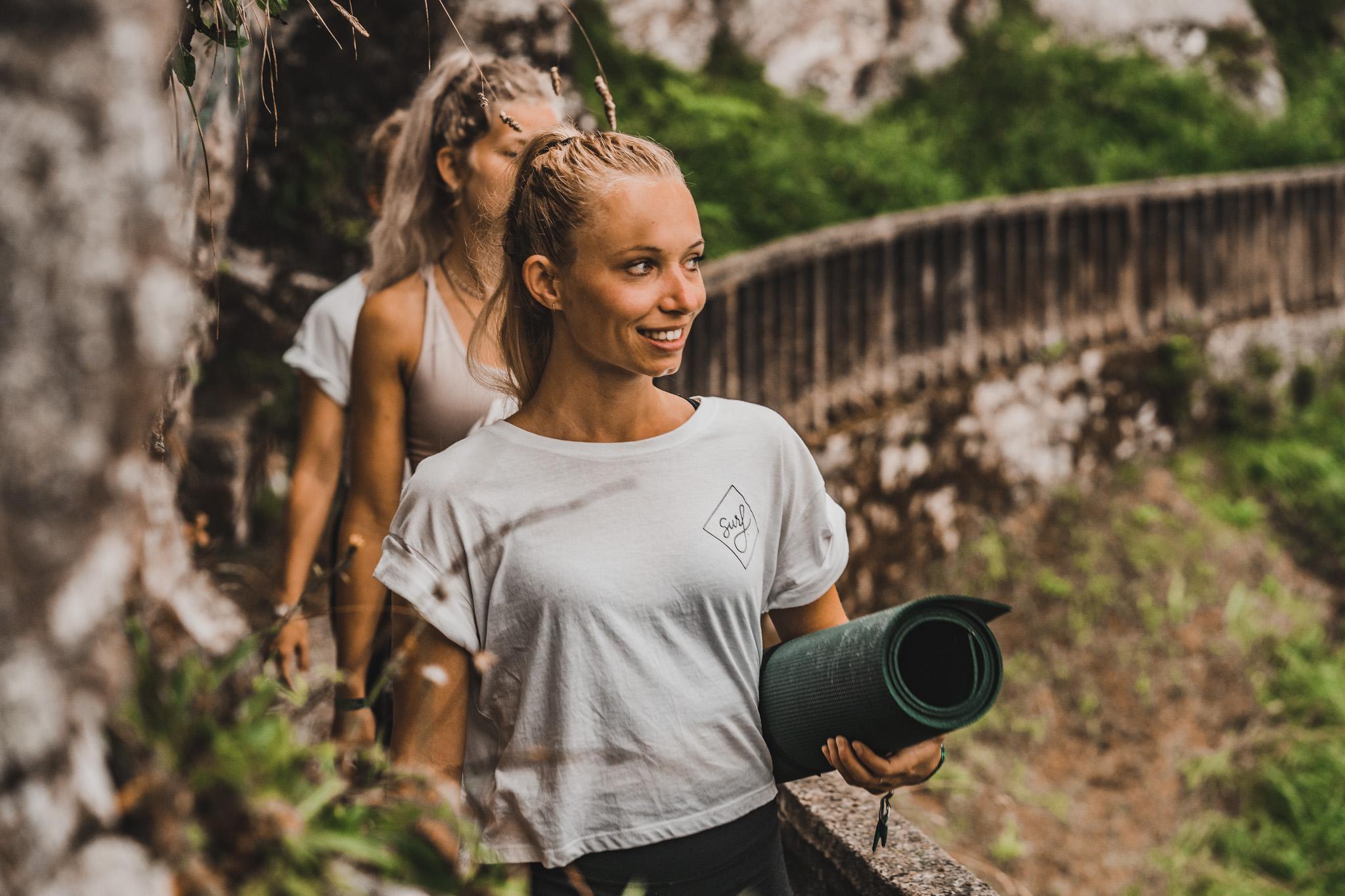Bureau Duizenddingen Enter The wave Llanes Spanje 2020 Maithe van Luijk Yoga